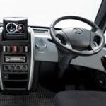 Interior del Modec Chasis Cabina, zona volante y mandos