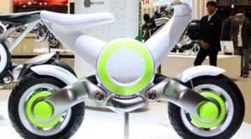 Vista lateral del prototipo futurista que Yamahapresento en salón de Tokio 2009