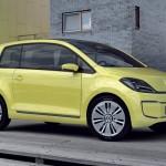 lateral del Volkswagen E-Up! prototipo eléctrico, de color amarillo-verde