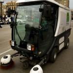 imagen de la Barredora Eléctrica trabajando por las calles