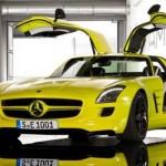 detalles del Mercedes SLS AMG e-Cell con las puertas verticales
