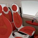 imagen de los asientos y el interior del Mondragón CityCar