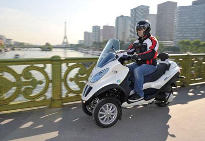 imagen en circulación de la Piaggio Mp3 Hybrid 300ie/LT