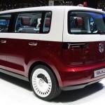la Bulli de Volkswagen vista desde detrás