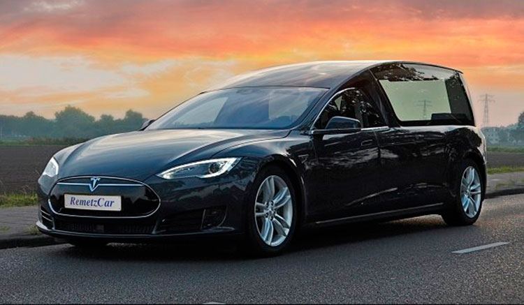 Tesla Model S coche fúnebre