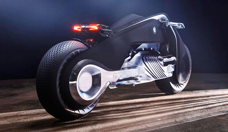 Imagen donde podemos apreciar el diseño de la zona trasera de la Motorrad Vision Next 100, con un asiento para una única plaza.