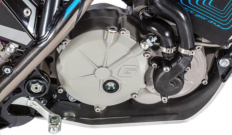 Imagen donde podemos ver el motor eléctrico, desarrollado por Torrot, de la moto GasGas TXE.